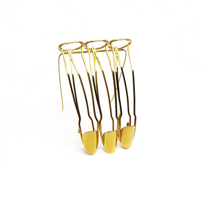 three finger brooch with double clasp  made square 18 carat gold plated brass wire